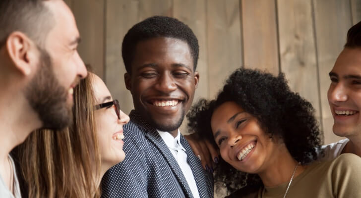 friends-smiling-together